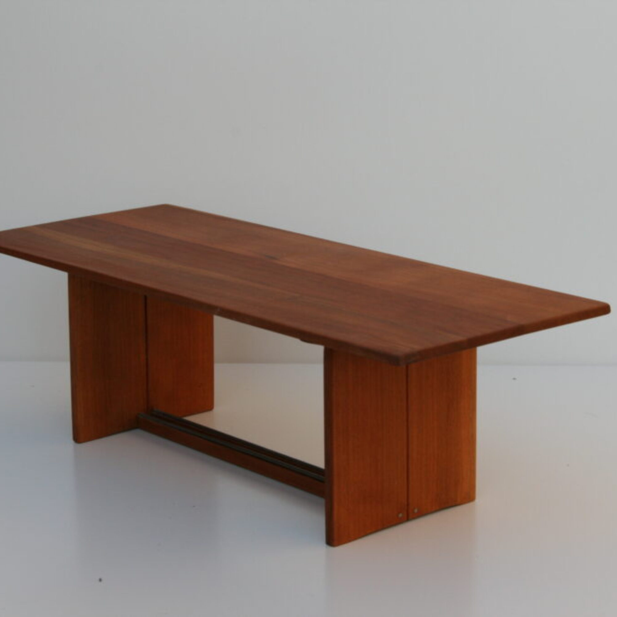 Model of dining table